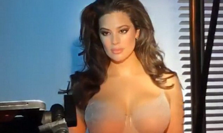 """Bomb"" Ashley Graham (Photo)"