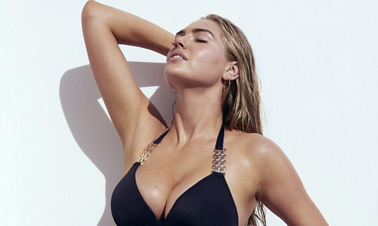 Kate Upton shows her forms with a bikini series [Photo]