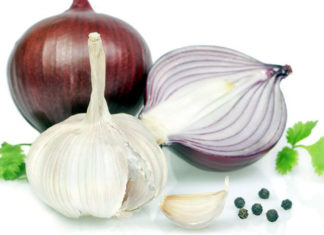 Onion and garlic reduce the risk of stomach cancer