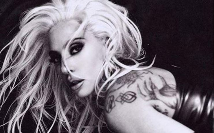 Lady Gaga, Topless for the favorite photographer of West and Kardashian (Photo)
