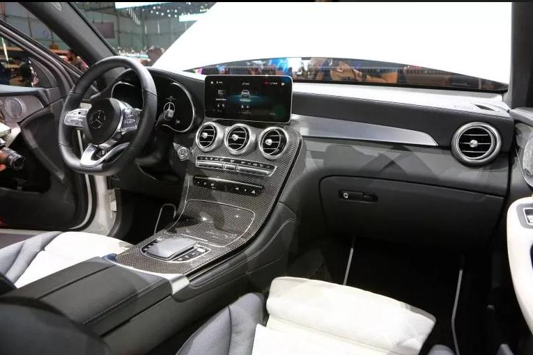 "2020 Mercedes-Benz GLC ""Facelift"" Interior"