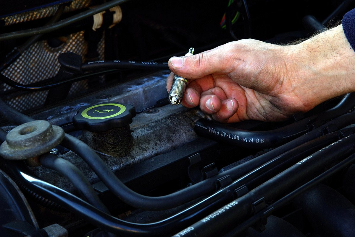 Replace the ignition plugs