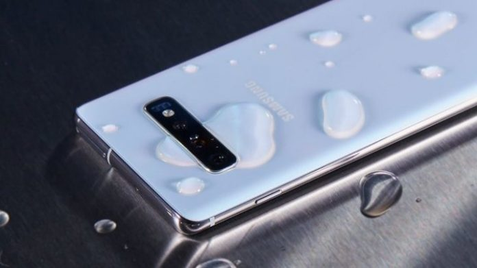 Samsung has lied customers for water resistant phones