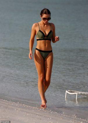 19648738 7567647 Toned Helen Flanagan showcased her incredible bikini body as she m 16 1570966836893