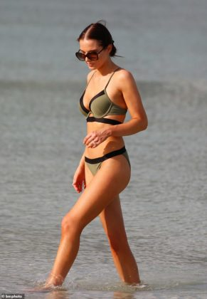 19648742 7567647 Sizzling display The Coronation Street actress 29 flaunted her e a 2 1570966778462