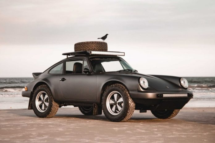 Porsche 911 of 1984 for all terrains, ready for apocalypse