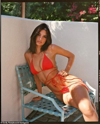 6115672 6383085 Flaunting it Emily Ratajkowski knows a business opportunity when a 2 1542161826047
