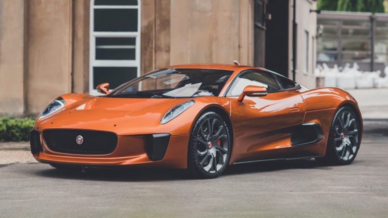 Goes on sale Jaguar C-X75 that was never sold, but was used in a James Bond movie