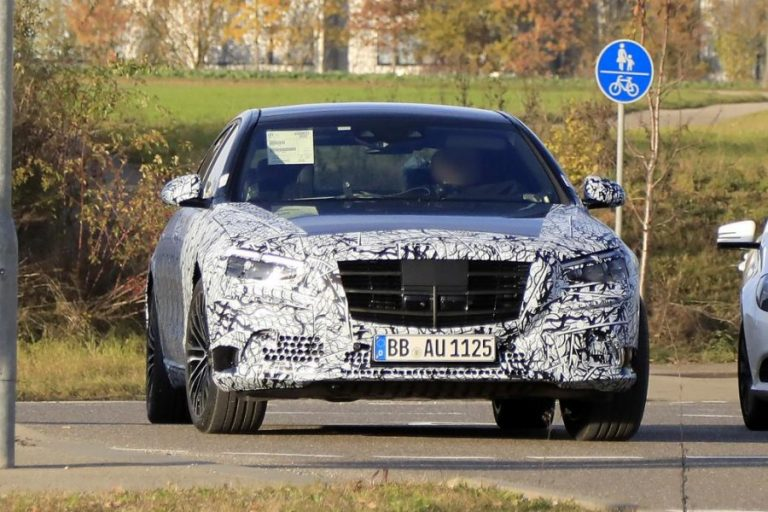 Spied the new S-Class: The Mercedes with the highest technology ever!