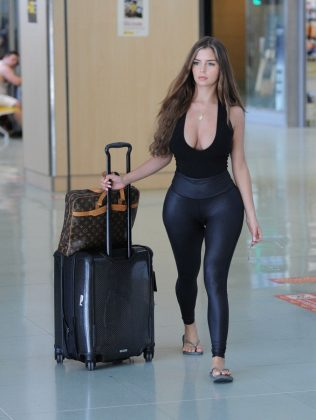 demi rose mawby arrives at airport in ibiza 08 07 2018 10 gthumb gwdata1200 ghdata1200 gfitdatamax