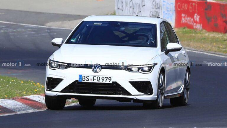 2021 VW Golf R spied during testing at Nurburgring