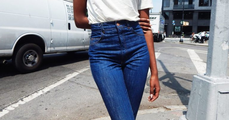 4 Tips When Wearing High Waisted Jeans