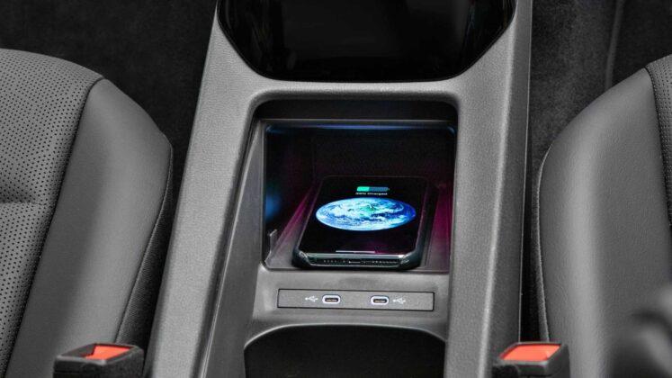 2021 volkswagen id.4 interior charging pad