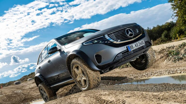 "Mercedes With a EQC 4×4² Electric Concept SUV for ""Extreme"" Terrains"