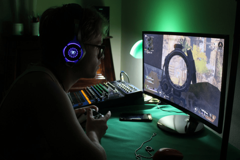 6 Items Every Gamer Should Have For A Better Playing Experience