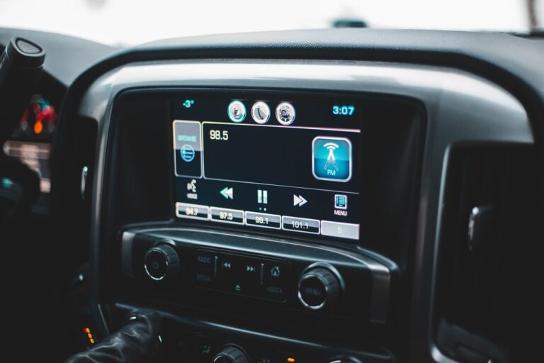 What to Look For in a Modern Car Stereo