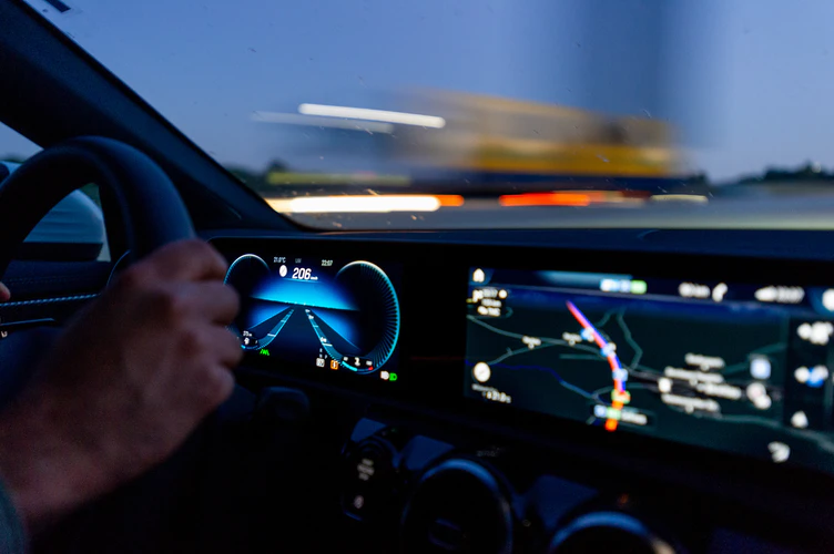 Beginner Driver's Guide: What To Do If You Get Pulled Over For Speeding,