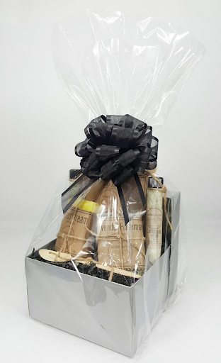 How to pack a gift basket,